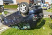 Eisbergen: VW Polo kippt nach Unfall aufs Dach, zwei Rintelner leicht verletzt