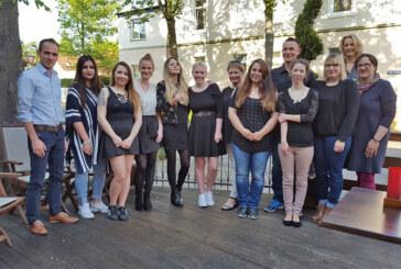 Die neuen Medizinischen Fachangestellten in den Schaumburger Arztpraxen
