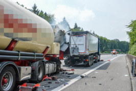 A2: LKW-Auffahrunfall zwischen Rehren und Bad Eilsen, ein Schwerverletzter