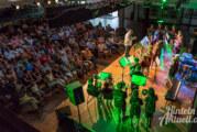 """Vom """"Blues der vergessenen Hausaufgaben"""" bis """"Star Wars"""": Nachwuchs-Musiker spielen bei Sommerbühne im Gymnasium auf"""