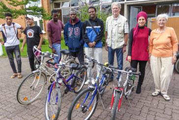 Haushaltsartikel und Fahrräder als Spende
