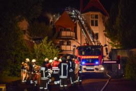 Stadthagen: Wohn- und Geschäftshaus in Flammen / Polizei vermutet Brandstiftung