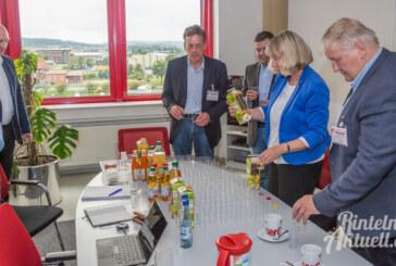 Landtagsabgeordnete zu Besuch bei riha WeserGold