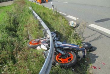 Rintelnerin (44) bei Motorradunfall auf B83 bei Heeßen schwer verletzt