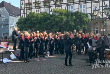 6. bundesweiter Gospelday: Mit 5 Euro und einer Bleistiftlänge zur besseren Zukunft