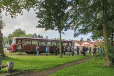 Schienenbus startet zur vorletzten Fahrt in 2017