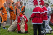 """Mit """"Wichtelwagen"""" und der """"Lizenz zum Löten"""": Kreativer Umzug beim Erntefest in Möllenbeck"""