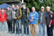 """""""Mannis Meute"""" gewinnt Siegerpokal bei Kreismeisterschaften im Rintelner Boulodrom"""