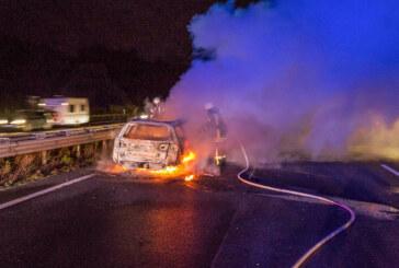 PKW-Brand auf A2: Erschwerter Einsatz für Feuerwehr mangels Rettungsgasse