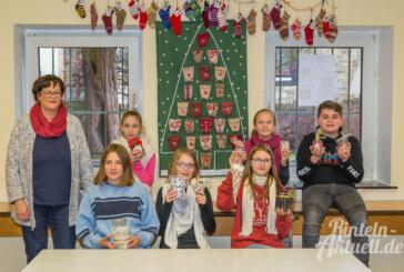 Lecker und dekorativ: Schüler basteln 300 Preise für Adventskalender-Tombola