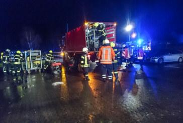 Großübung der Feuerwehr im Schwimmbad Lindhorst