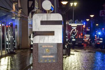 Feuerwehr Rinteln übt Personenrettung aus Sparkasse