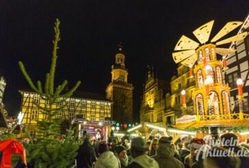 Glühweinduft und Adventsstimmung: Rintelner Weihnachtsmarkt feierlich eröffnet