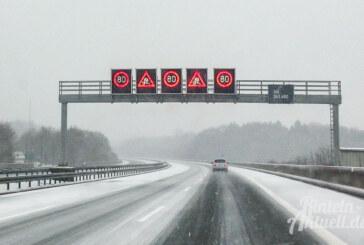 A2: Starker Schneefall sorgt für Staus in der Region