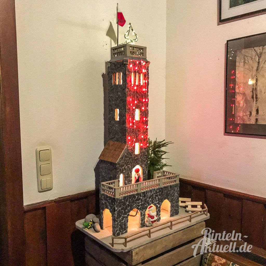 15 jahre rintelner adventskerze klippenturm beleuchtung zu weihnachten. Black Bedroom Furniture Sets. Home Design Ideas