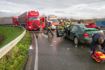 Porta: Unfall in der Kurve in Richtung Stadthagen