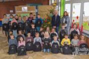 200 neue Rucksäcke für Grundschule Unter der Schaumburg