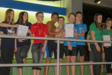 DLRG erneut bei Bezirksmeisterschaften im Hallenbad Rinteln erfolgreich