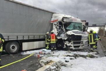 LKW-Unfall auf der A2 im Auetal