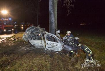 B83: Schwerer Unfall zwischen Westendorf und Deckbergen / Auto fängt Feuer
