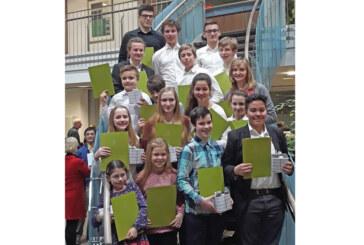 Junge Musiker begeistern im Sparkassen-Forum