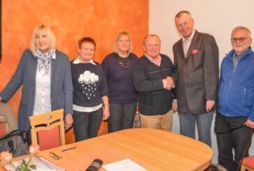 Rintelner Verein für Städtepartnerschaften ernennt Mike Middleton zu Ehrenmitglied