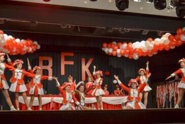 Jetzt doch: 20 Jahre Rintelner Frauenkarneval – die Party im Brückentorsaal