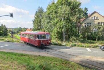 Schienenbus auf Industriekultur-Sonderfahrt von Rinteln nach Stadthagen