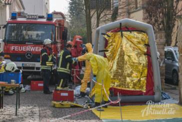 Großalarm an Amtsgericht Rinteln: Verdächtiges grünliches Pulver rieselt aus Briefumschlag
