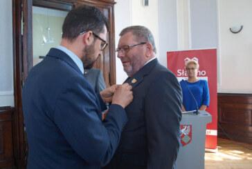 Pfingstbesuch in Slawno: Goldenes Verdienstkreuz für Karl-Heinz Buchholz