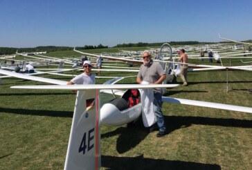 Rintelner Segelflieger beim 52. Hahnweide-Wettbewerb dabei