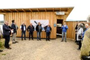 Dieter-Eggersmann-Beobachtungshütte in der Auenlandschaft offiziell eingeweiht