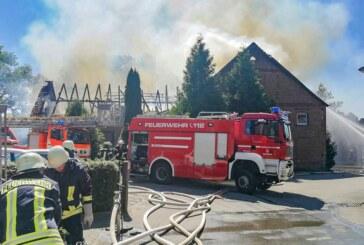 Rehren: Großeinsatz der Feuerwehren bei Wohnhaus- und Stallbrand