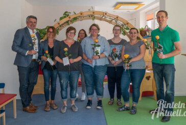 Tag der Kinderbetreuung: Rosen als Zeichen der Wertschätzung