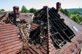 Dachstuhlbrand in Porta Westfalica-Neesen: Eine Person verstorben