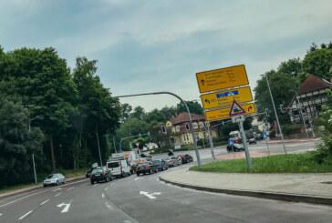 Unfallflucht in Steinbergen: Polizei sucht rotes Coupé mit RI-Kennzeichen