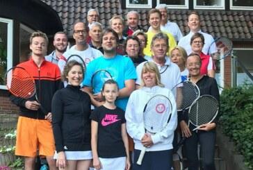 Mittsommernachtstennis bei Rot-Weiß Rinteln: Jung und Alt in bester Tennislaune