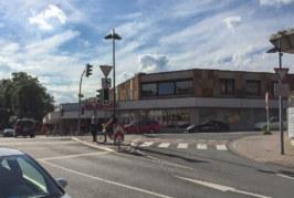 Mühlenstraße: Radfahrer (13) stößt mit Auto zusammen