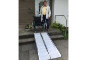 Behindertenbeirat bietet Test: Rollstuhlrampe für Rintelner Geschäfte