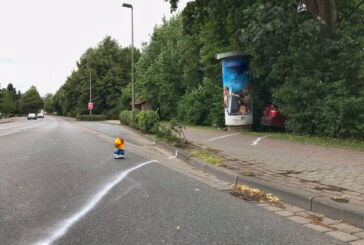 Rinteln: Auto erfasst Fußgängerin auf Gehweg
