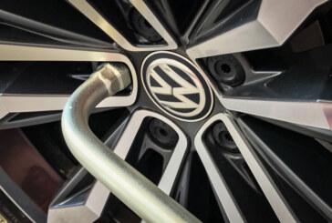 Rinteln: Radschrauben an VW Beetle gelöst – Gefährlicher Eingriff in den Straßenverkehr