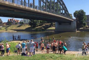 Erfrischendes Vergnügen: 142 Teilnehmer beim diesjährigen Weserschwimmen in Rinteln