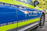 Aus dem Polizeibericht: Gegenstände aus Autos geklaut / Straßenlaterne umgeknickt / Autotür zerkratzt