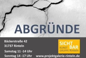 """""""Abgründe"""": Kunstgruppe """"Sichtbar"""" eröffnet neue Ausstellung"""