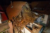 Fachwerkhaus droht, einzustürzen: Nächtlicher Teilabriss durch Feuerwehr und THW