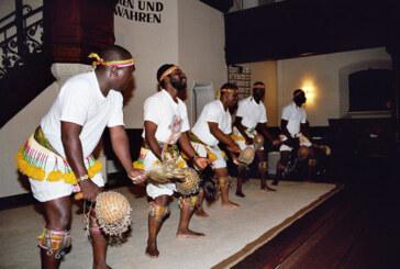 """Afrikanischer """"Dunyuixola""""-Chor gibt Konzert in der Jakobi-Kirche"""