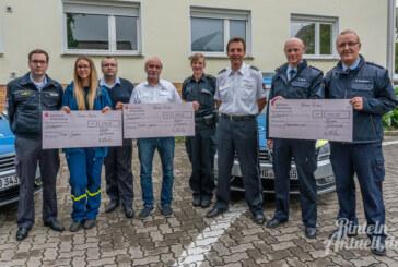 Polizei Rinteln spendet Sportabzeichen-Gewinn an Feuerwehr, DLRG und THW