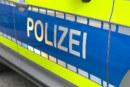Klopapier angezündet und Toilette verstopft: Polizei sucht Zeugen