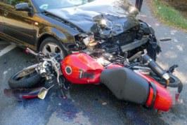 Extertalstraße: Schwerer Unfall zwischen PKW und Motorrad