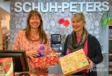 Weihnachten im Schuhkarton: Päckchenabgabe bei Schuh-Peters